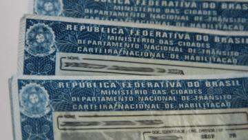 Câmara-aprova-texto-base-que-afrouxa-leis-de-trânsito-desejo-de-Bolsonaro