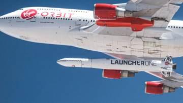 um-aviao-levou-um-foguete