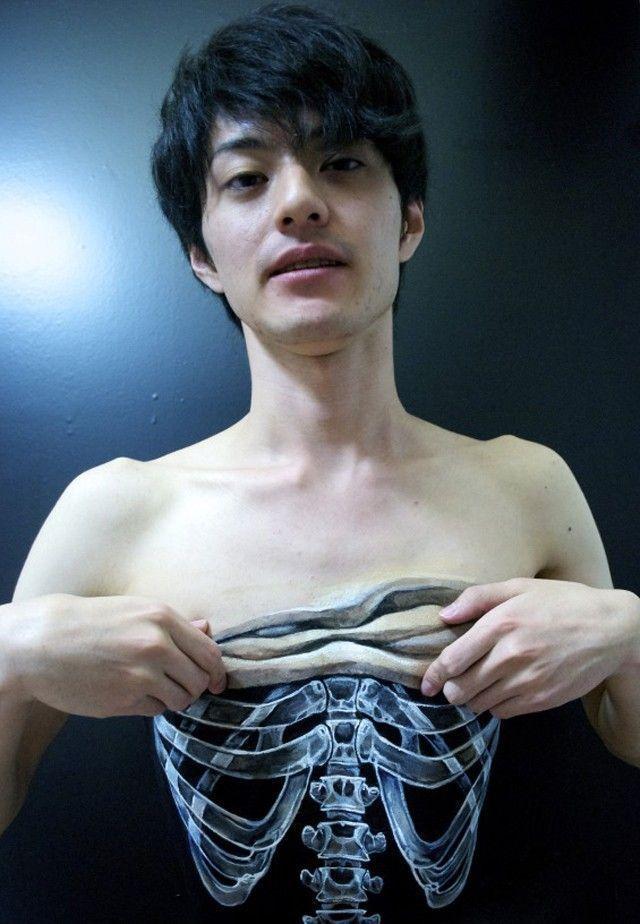 Hikaru Cho Painting Body