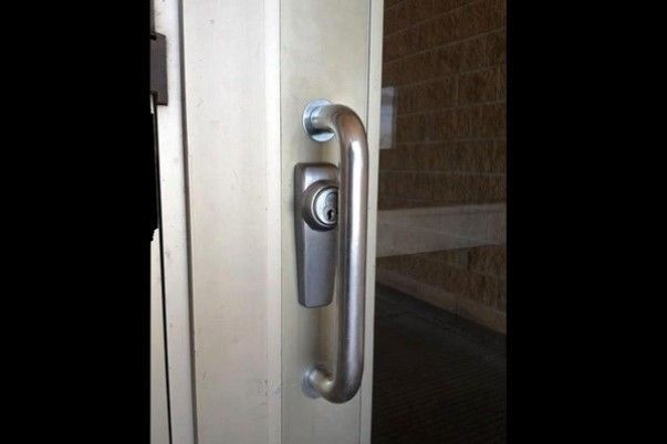 ferme la porte fail