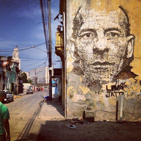 Vhils-Street-art-portrait-4