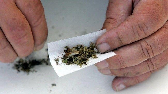 roll-marijuana-joint