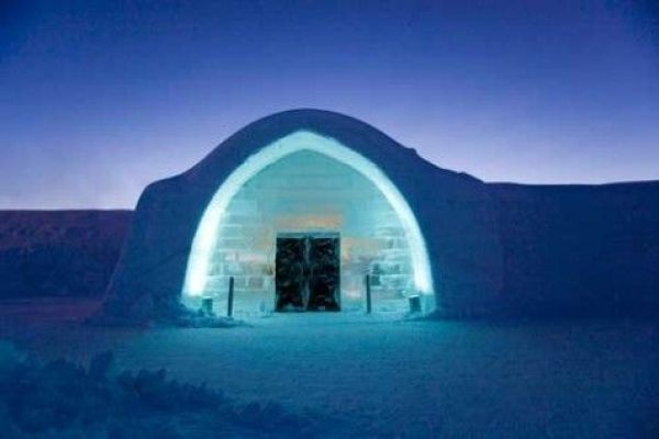 ice-hotel-suede-25-ans-hiver-neige