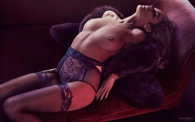 nicole-trunfio-photos-mannequin