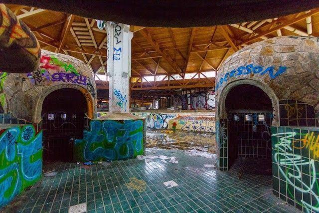 piscine-abandonnee-urbex-berlin-ciaran-fahley