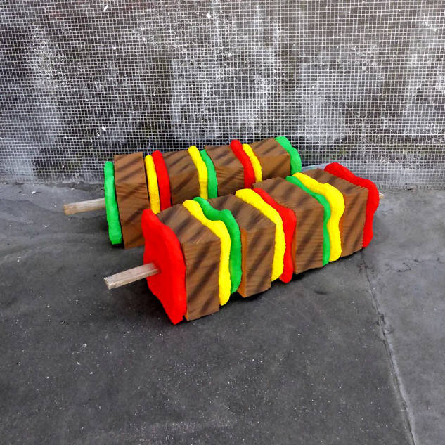lork-food-giant-sculpture-matelas-encombrant-nouvel-art-urbain-street-3