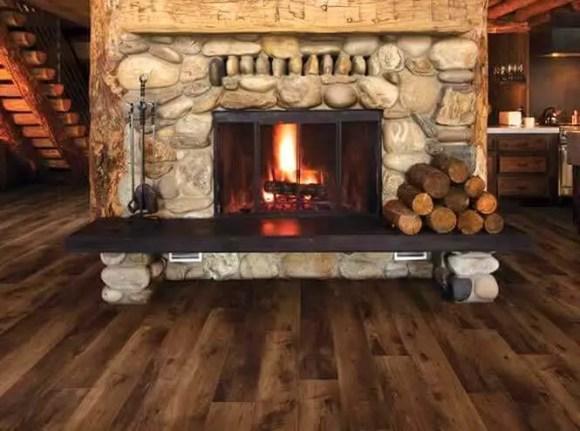 Opaľovaná drevená podlaha