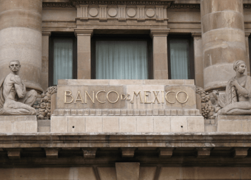 Foto: Banco de México. Entre los riesgos a observar, la autoridad monetaria hizo énfasis en el alto déficit de la cuenta corriente.