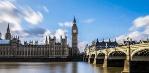 Foto: Arqhys. La agencia calificadora Standard & Poor' s, señaló que el Brexit podría afectar en 1.2% el crecimiento de Reino Unido durante 2017 y en 1% durante el 2018.