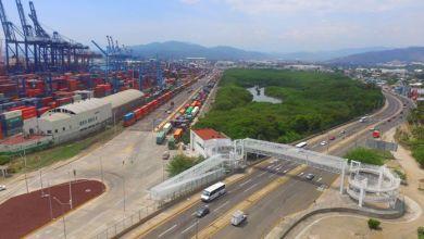 Photo of La SHCP embarga mercancías introducidas ilegalmente por 303 mdp en el 1T18