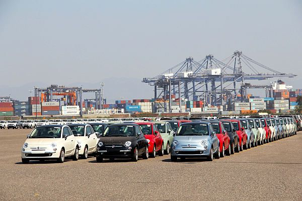 Exports of cars (light vehicles) from Mexico fell 38.8% in June, to 196,173 units.
