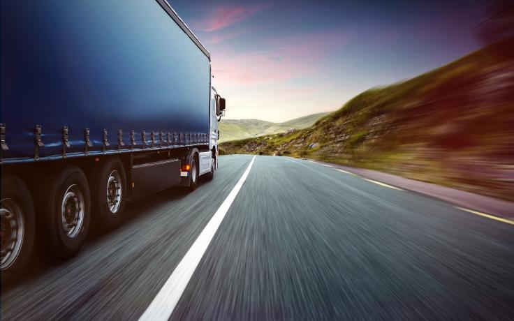 Global freight road transport companies expect an average decrease of 18% in turnover in 2020, for a total of 551,000 million euros, estimated the International Road Transport Union (IRU) .