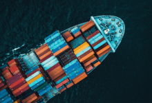 The shipping company Maersk reported on Wednesday that it will operate the world's first carbon-neutral transatlantic ship in 2023.