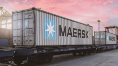 Maersk está acelerando el ritmo de su servicio AE19, una combinación de un servicio ferroviario intercontinental y marítimo de corta distancia entre los puertos del norte de Europa en Finlandia, Polonia, Alemania y Escandinavia y puertos en Corea, China y Japón. Maersk is picking up the pace of its AE19 service, a combination of short sea and intercontinental rail service between northern European ports in Finland, Poland, Germany and Scandinavia and ports in Korea, China and Japan.