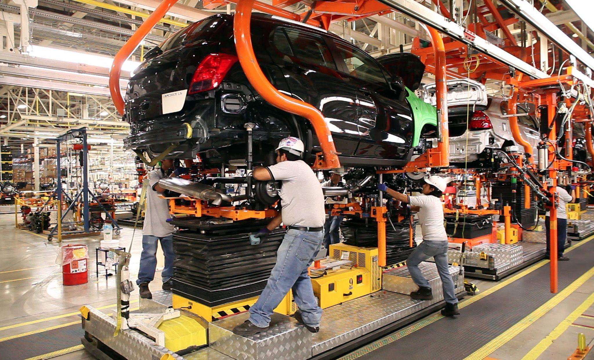 El Inegi informó este miércoles que 15 de 21 industrias de manufactura de México presentaron crecimientos mensuales en marzo. Inegi reported this Wednesday that 15 of 21 manufacturing industries in Mexico presented monthly growth in March.