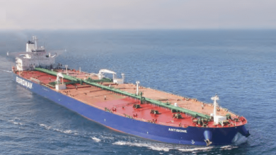 El transporte de barcos petroleros en el mundo cayó 8.5% interanual en 2020, a 3,109 millones de toneladas. The transport of oil tankers in the world fell 8.5% year-on-year in 2020, to 3,109 million tons.