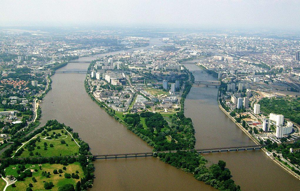 https://i2.wp.com/www.opreisinfrankrijk.nl/wp-content/uploads/2019/07/1280px-Ile_de_Nantes-e1563714168772.jpeg?fit=1024%2C652&ssl=1
