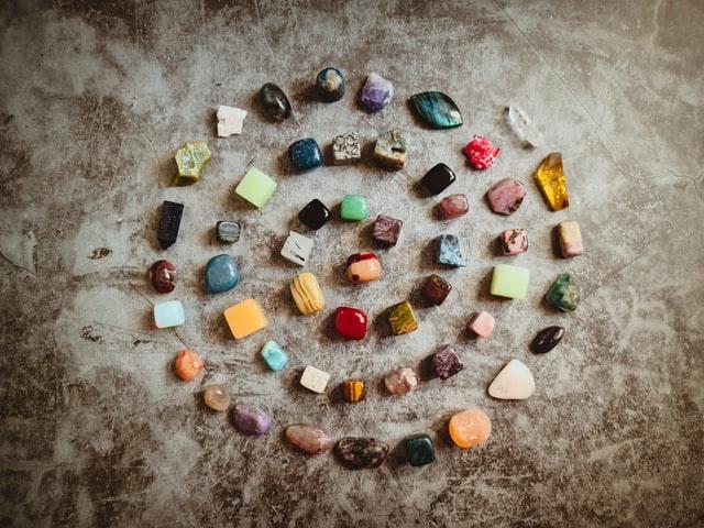 Choosing The Best Hued Gemstones For Engagement Rings