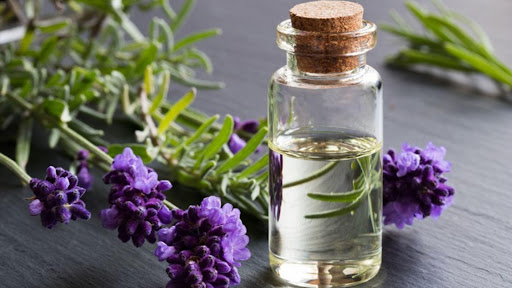 What Are the Benefits of Using an Essential Oil-Based Perfume?