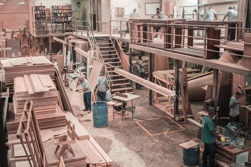 How to Launch a Manufacturing Business