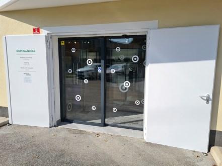 Trgovina Optics Trade na Pirnikovi ulici 5 v Slovenski Bistrici