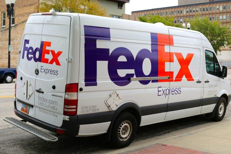 Bogus FedEx and DHL Phishbait