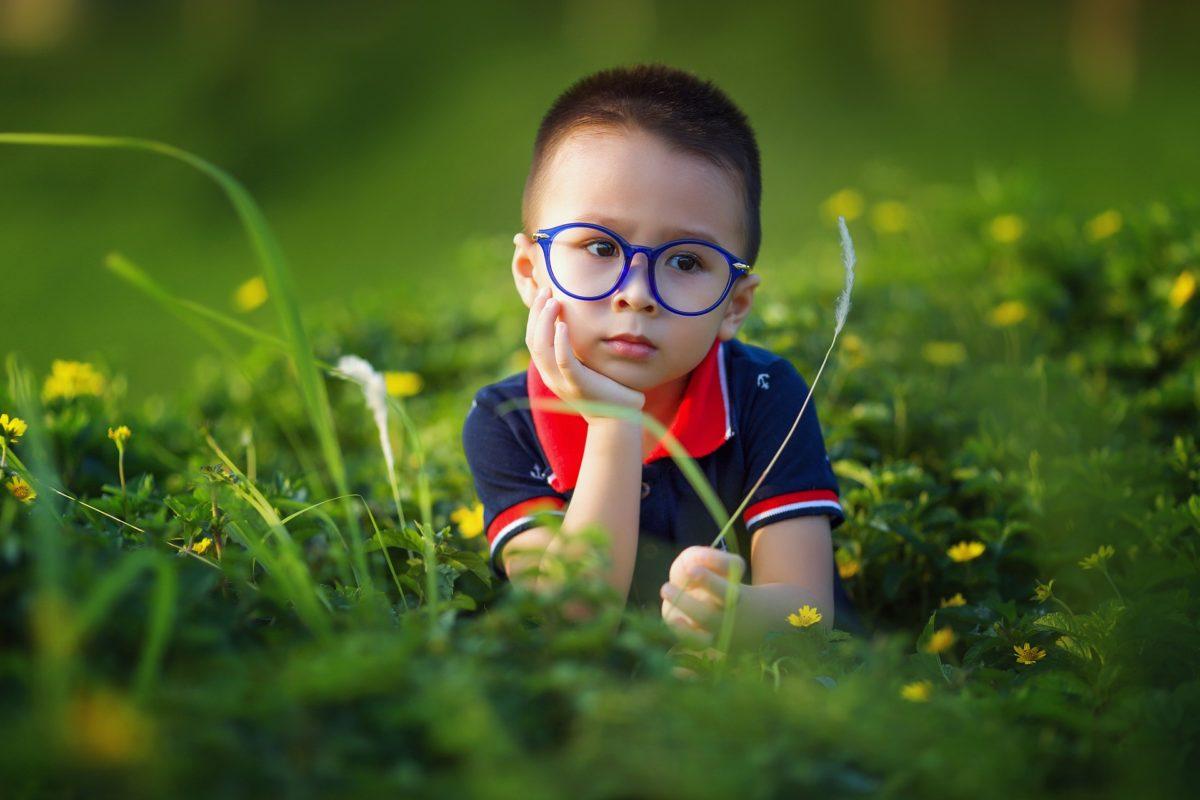054e3260f74761 Skórę chronimy kremem z filtrem, a czy Ty zadbałeś/aś wzrok Twojego dziecka  jest przygotowany na promienie słoneczne?