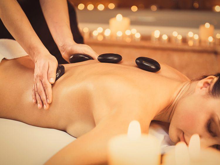 massage-pierres-chaudes-corps