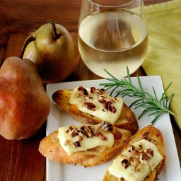 Honey Pear Crostini With Melted Brie