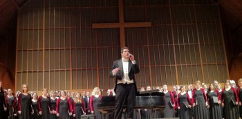 Ethan Sperry leads Oregon Repertory Singers this weekend.