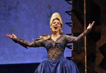 Lindsay Ohse as Armida. © Portland Opera / Cory Weaver