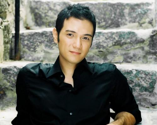 Nicholas Phan sings at Chamber Music Northwest.