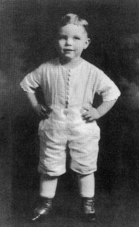 """Buster"" Harrison, ready to steal the show in a 1920 Portland production of ""Daddy Long Legs."""