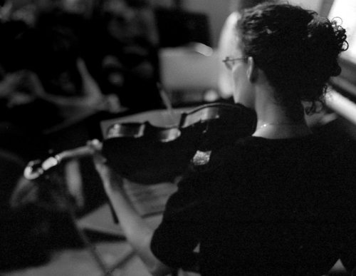 Violist Grace Young at Classical Revolution PDX's December jam. Photo: Gary Stallsworth.