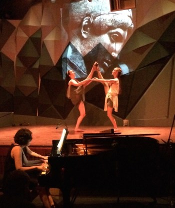XX Digitus Duo and two members of Agnieszka Laska Dancers closed the show on a high note.