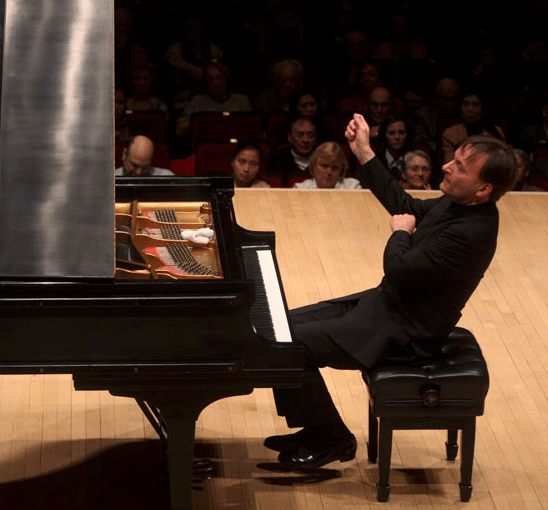 Stephen Hough performed with the Oregon Symphony. Photo: Hiroyuki Ito.