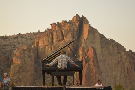 Hunter Noack performing at Smith Rock in Southern Oregon. Photo by David Lindell.