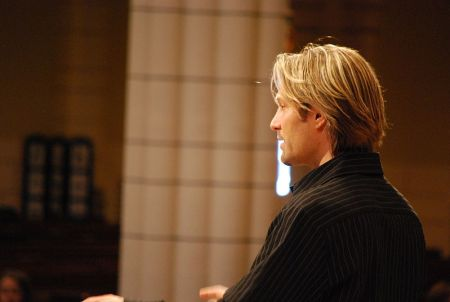 Rock star choral composer Eric Whitacre.