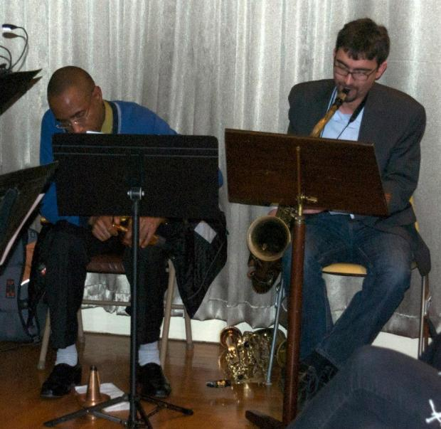 Hashem Assadullahi and Ron Miles at a 2011 Broadway House concert.