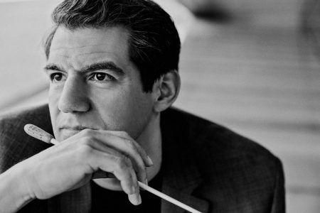 Conductor Miguel Harth-Bedoya. Photo by Michal Novak.