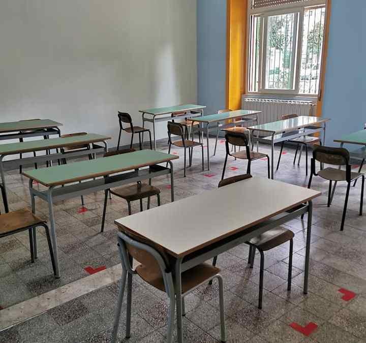 """Barcellona PG. Primo giorno di scuola in città, Ass. Pino: """"Si ricomincia nonostante tutto, buon anno scolastico 2020/21"""""""