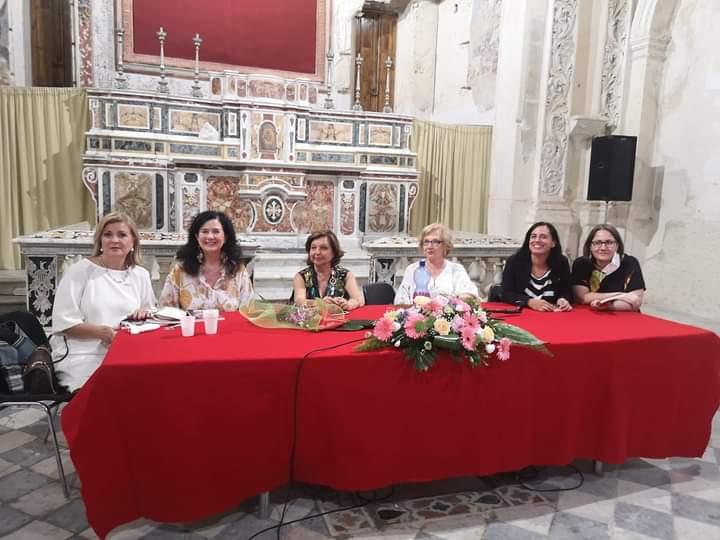 """Castroreale. Giuseppina Coppolino ha presentato il romanzo """"Suona per te la musica della terra"""" all'Auditorium S. Salvatore"""