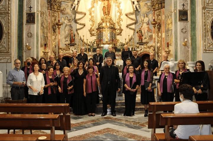 """Barcellona PG. Grande successo per il Corcerto-Oratorio della Corale Polifonica """"Dulcis Harmonia"""" nella chiesa di San Giovanni Battista"""