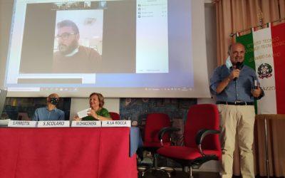"""Milazzo. Presentazione del nuovo Diario dell'istituto """"Da Vinci"""", Midili: """"Ritorno compagno di viaggio"""""""