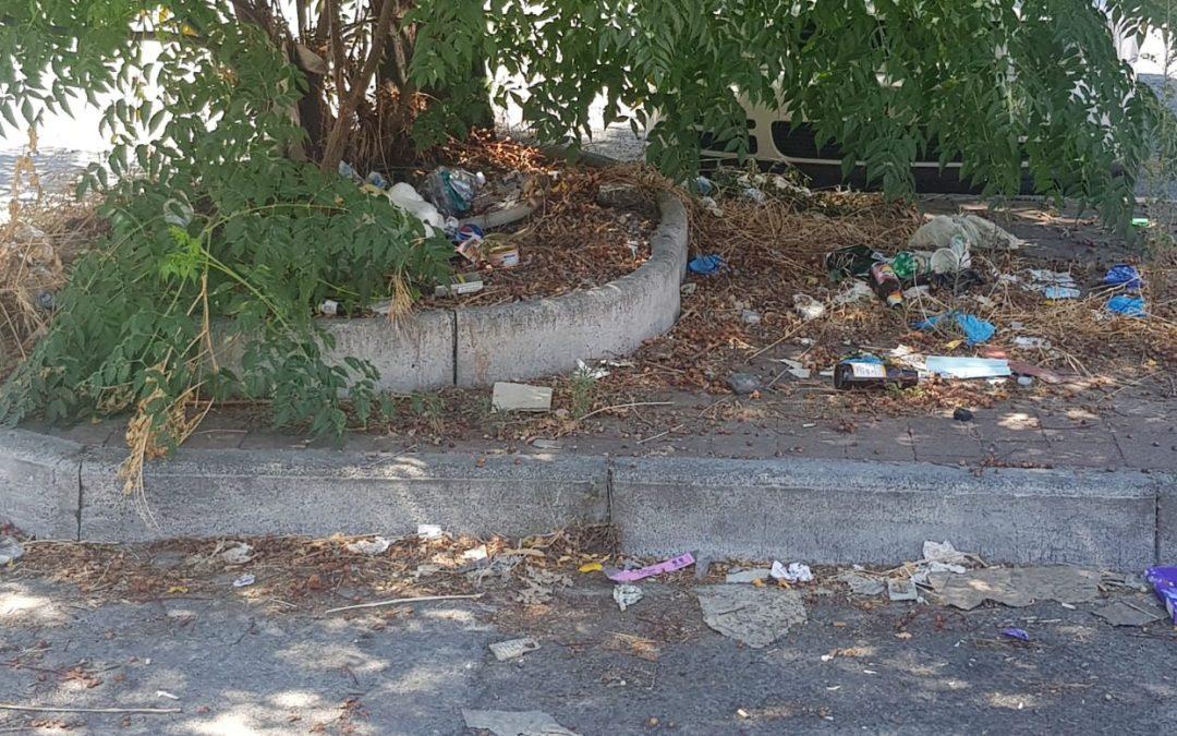 """Barcellona PG. Degrado in Piazza """"Sandro Pertini"""", interrogazione di Città Aperta"""