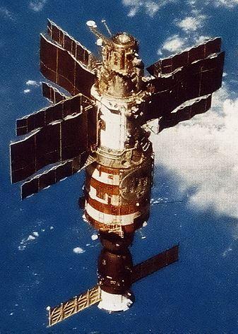 Salyut_7_from_Soyuz_T-13-2