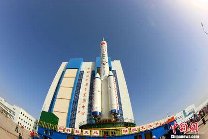 Shenzhou-10 na plataforma 05