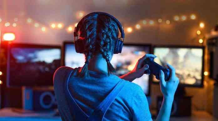 China bans kids from gaming during the week – U.S. parents react!
