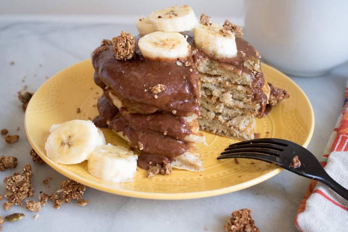 Vegan Banana Pancakes + Peanut Butter Sauce