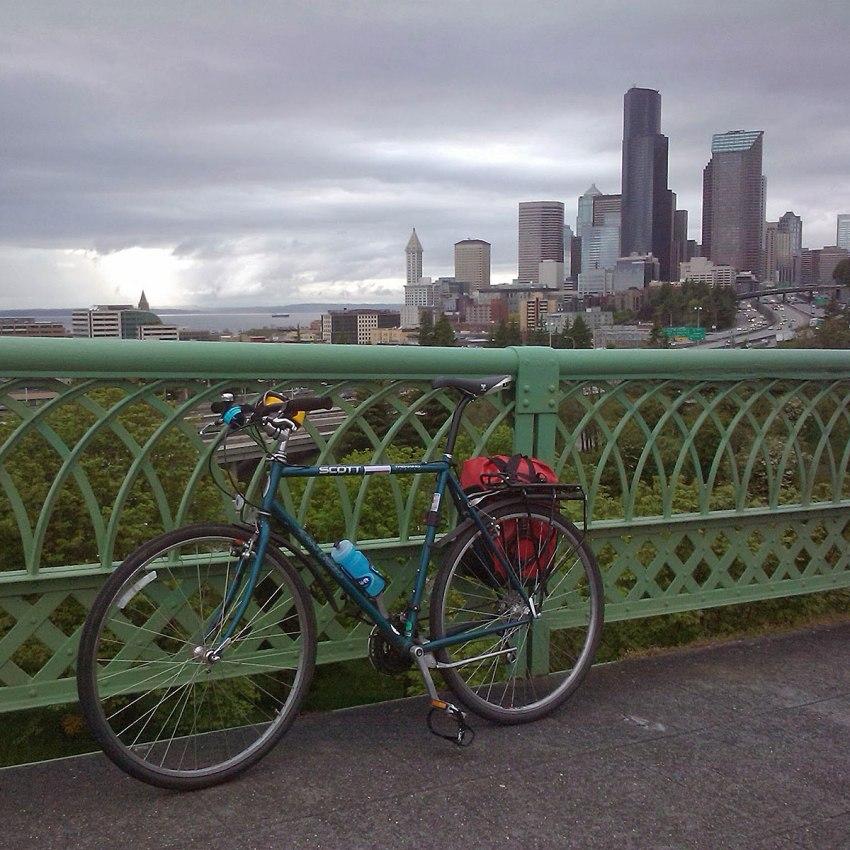 BikeJoseRizalBridge
